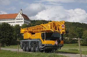 2 autoportées Liebherr 1075, puis transformée en 1090 4 axes LTM_1070-4.2%20%281%29_8574-0_W300