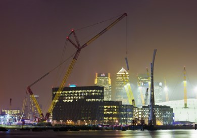 liebherr-lr-11350-working-position-london-night-landscape_Web.jpg