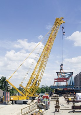 liebherr-lr-1350-1-working-position-railway-bridge-strassbourg-portrait.jpg
