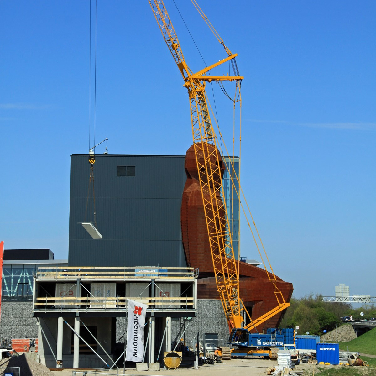 liebherr-LR-1160-lattice-boom-crawler-crane-160-