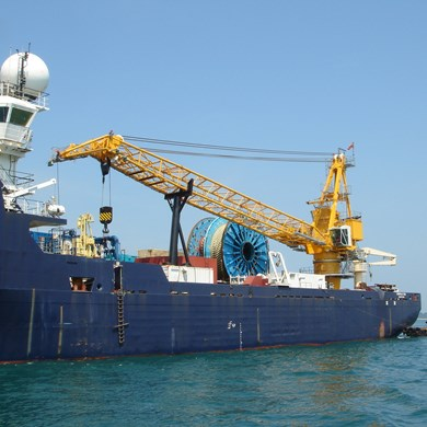 liebherr-oc-bos-2600-board-offshore-crane-emerald-sea-middle-east.jpg