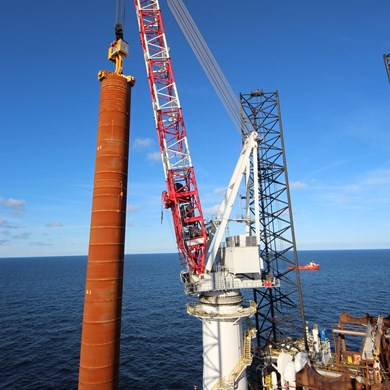 liebherr-oc-bos-45000-board offshore-crane-heavy-lift-wind-installation2.jpg