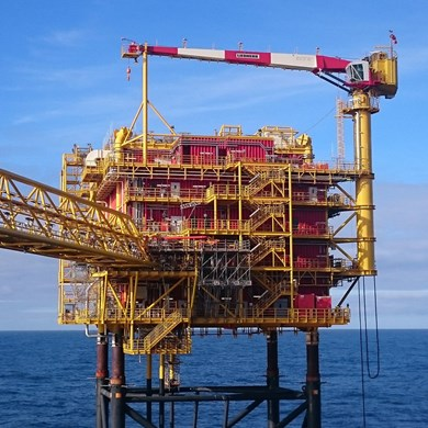 liebherr-rl-650-ram-luffing-offshore-crane-clipper-south-gas-field-north-sea.jpg