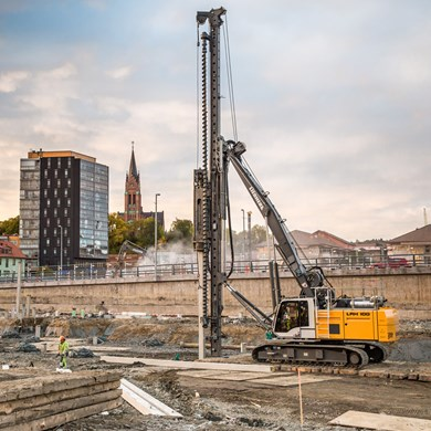 liebherr-lrh-100-piling-rig-cast-in-place-concrete-piles-hydraulic-hammer.jpg