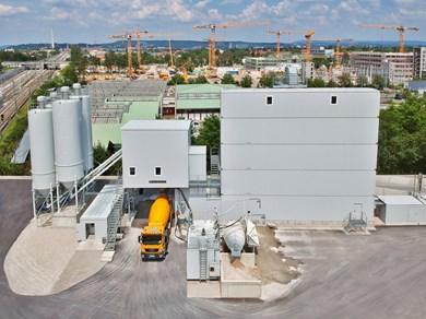 liebherr-mixing-plant-betomix-2-5-tower-silo.jpg