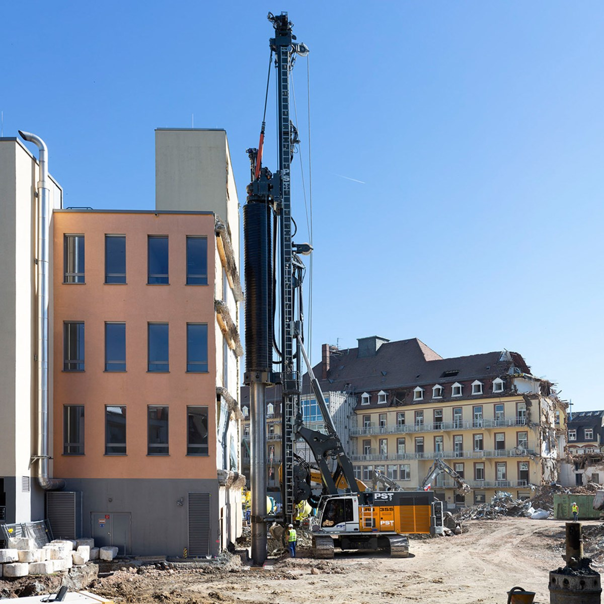 LRB 355 Piling and drilling rig - Liebherr