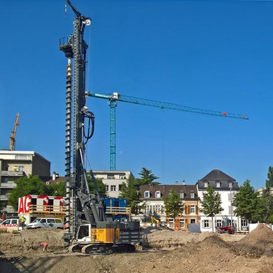 liebherr-lrb-355-piling-and-drilling-rig-cfa-drilling-continuous-flight-auge.jpg