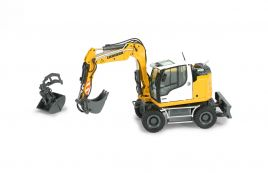 Liebherr A 910 Compact Litronic mobile excavator.