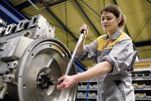 Remanufacturing of Liebherr components