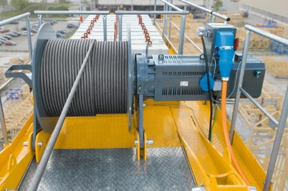 Squirrel cage motors liebherr for Motors used in cranes