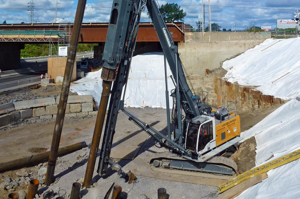 Impact driving piling methods for deep foundation liebherr for Piling for house foundations