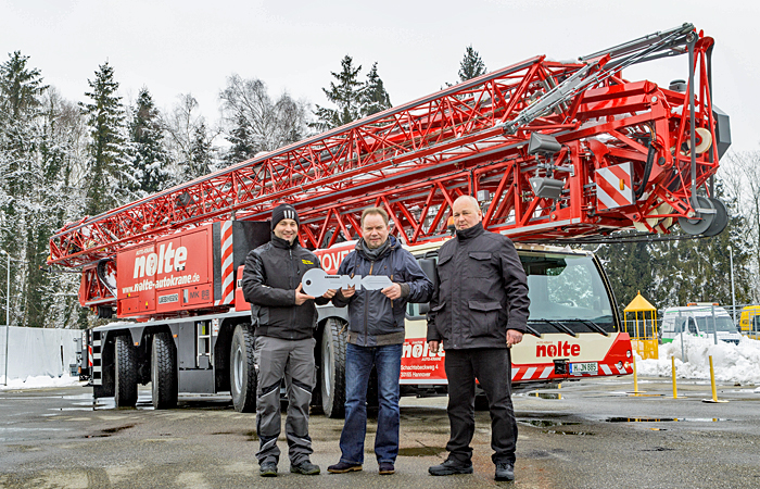 Tower Crane Vs Mobile Crane : Auslieferung liebherr mobilbaukrane