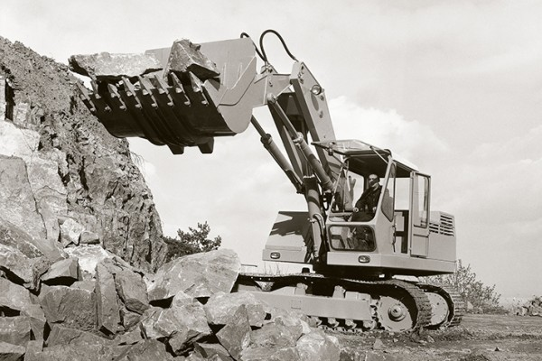 The RT 1000 crawler excavator