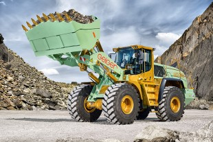 The 50,000th wheel loader comes off the production line in Bischofshofen in April.