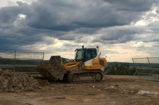 The Liebherr LR 634 hard at work
