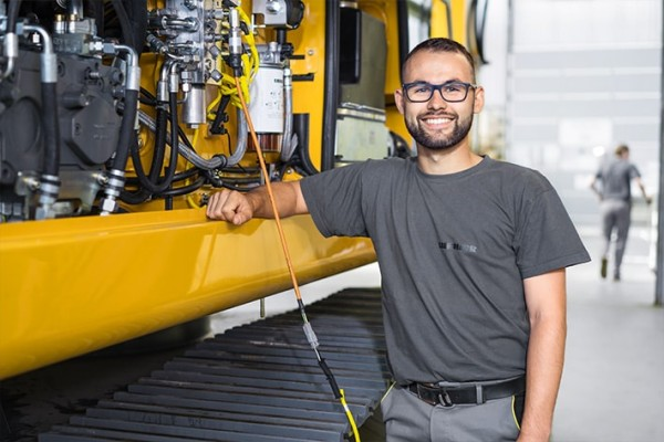 His fascination for construction and agricultural machinery brought him to Liebherr, where he can pursue the career of his dreams.