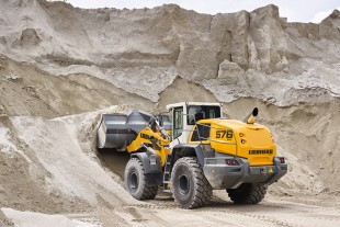 The Liebherr-XPower driveline with Liebherr Power Efficiency (LPE) system achieves a reduction in fuel consumption of up to 30 per cent when compared to wheel loaders of the same size.