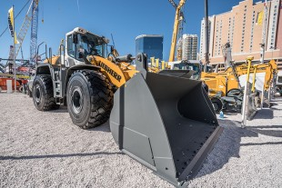 Several new Liebherr products are entering the American market, for example the L 586 XPower® wheel loader.