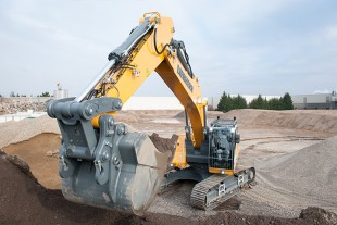 The robust steel structure of the Liebherr R 946 crawler excavator is key to the machine's reliability, especially in the most difficult applications