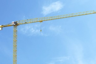 The outreach of the new Liebherr 172 EC-B 8 Litronic flat-top crane is 2.5 m longer than that of its predecessor.