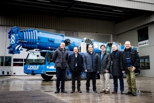 From left to right: Georg Reinbold (Liebherr-Werk Ehingen GmbH), Angel Malo, Samuel Molero, Emilio Molero (and three from Gruas Leman), Tobias Böhler, Antonio Calamonte (both from Liebherr Ibérica, S.L.).