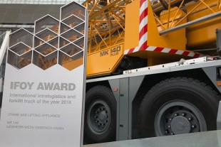 IFOY Award winner: The Liebherr mobile construction crane MK 140.