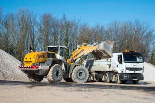 Liebherr's wheel loader L 586 XPower® in action.
