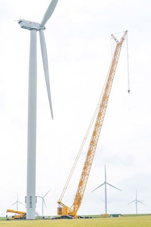 CEZ Group in Romania will mainly use the LR 1600/2 and the LTM 1130-5.1 for maintenance work on wind turbines.