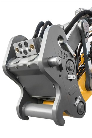 The second proximity sensor increases safety for the hydraulic quick coupler from Liebherr.