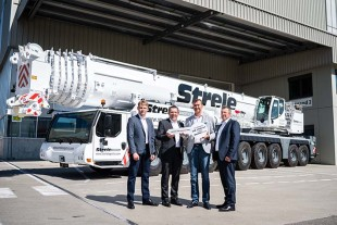 Handover of the new Liebherr LTM 1450-8.1 mobile crane.