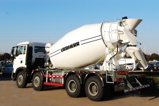 The Liebherr truck mixer HTM 804 Qing: high quality standards and improved design based on more than 50 years experience.