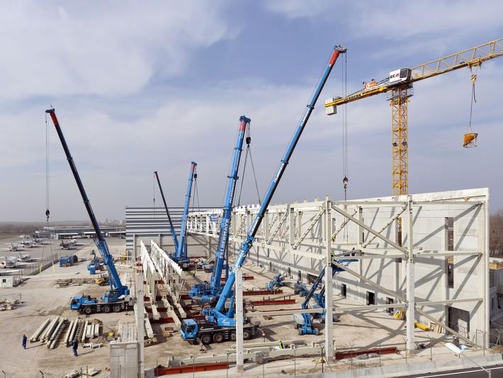 190 tonnen fachwerktr ger am haken felbermayr baut mit for Fachwerk kran