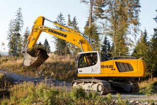 Liebherr R 946 achieves higher productivity and increased fuel efficiency than the previous model R 944 C