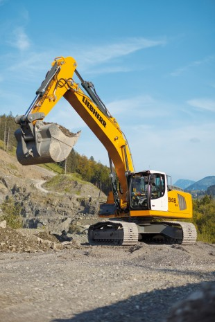 Liebherr R 946 crawler excavator with integrated excavator system technology for fast and smooth operating movements