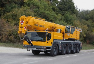The Liebherr mobile crane LTM 1130-5.1 with VarioBase
