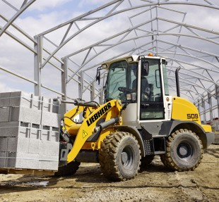 New generation Liebherr stereo loader L 509 Speeder with maximum speed of 30 km/h