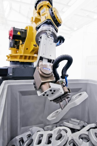 From the area of automation systems, Liebherr presents, among other things, a bin picking solution at IMTS 2014.
