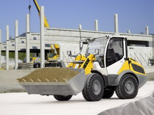 The Liebherr Compact Loader L 506 at the construction site