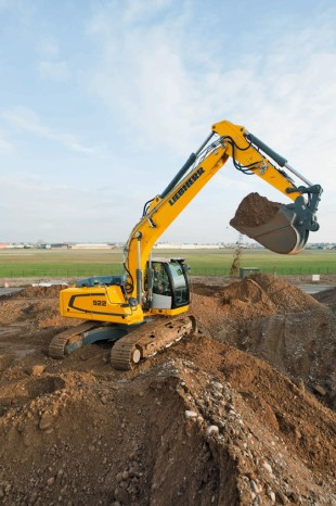 Liebherr crawler excavator R 922 with a service weight of approx. 22 tonnes