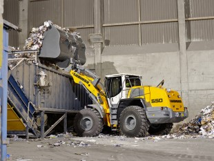 Liebherr L 550 wheel loader in an industrial application