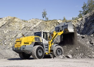 Liebherr L 566 wheel loader in operation