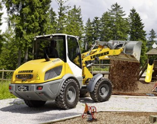 The new Liebherr Compact Loader used in municipal use
