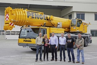 From left to right: Michael Pengel, Silvia Pengel (both of Pengel GmbH), Jens Fähse, Michael Schmauder (both of Liebherr-Werk Ehingen GmbH), Uwe Fuhrmann, Harald Bartels (both of Pengel GmbH)