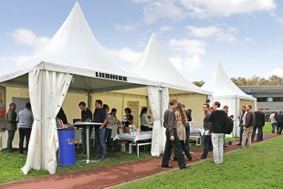 Employees of Liebherr-Aerospace Toulouse at the Mobility Day information stand.