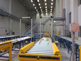 Preliminary commissioning zone for automatic shelving system at the new Liebherr logistics centre in Oberopfingen (Germany)