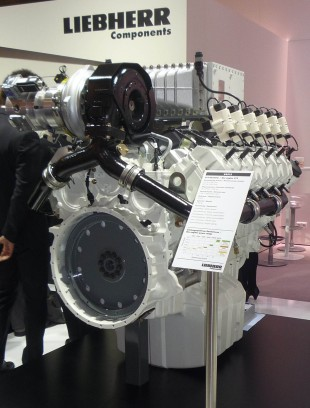 At the EnergyDecentral 2014, Liebherr presents the 12-cylinder gas engine G9512 with full equipment besides a 6-cylinder inline engine.