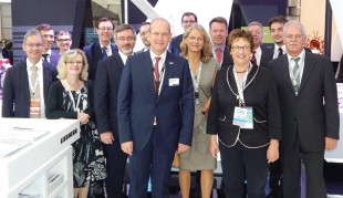 Brigitte Zypries (second from right) with Dietmar Schrick, Chief Executive of the BDLI (extreme right), Arndt Schoenemann (third from right) and members of the German delegation at the Liebherr-Aerospace stand