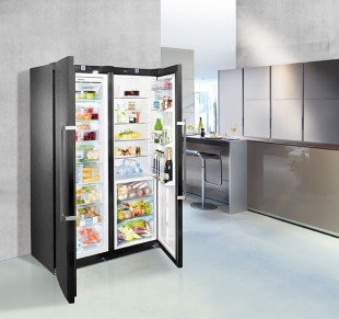 The BlackSteel appliances combine innovative refrigeration technology with an elegant design.