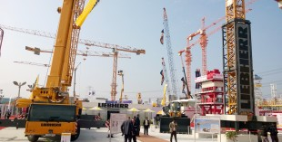 At the 2014 bCI ndia in Delhi Liebherr shows state-of-the-art exhibits representing the product ranges of mobile cranes, tower cranes and earthmoving equipment.