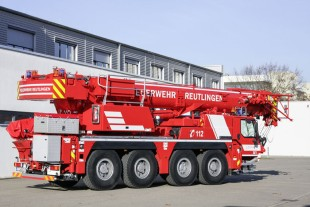 The Liebherr LTM 1070-4.2 fire bigade crane has a whole host of additional features. (Photo: Hans-Jürgen Stiehl, Frankfurt)